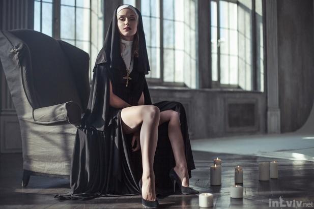 Монашки страстно трахаются моледенкие